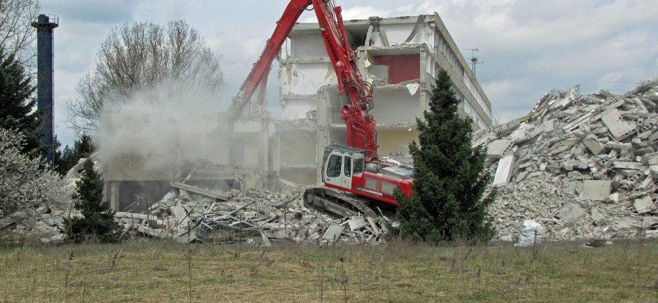 Abbrucharbeiten auf dem Gelände der ehemaligen Landespolizeischule Basdorf